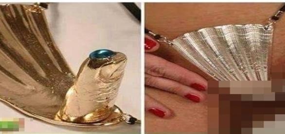 Tapa-sexo é fixado na mulher com uma parte protuberante que lembra um dedo.