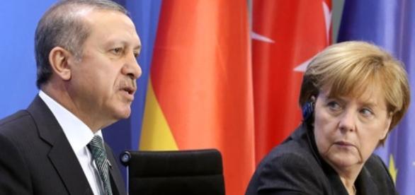 """Mondo - Cresce lo scontro fra Turchia e Germania. Berlino: """"No ai ... - unita.tv"""
