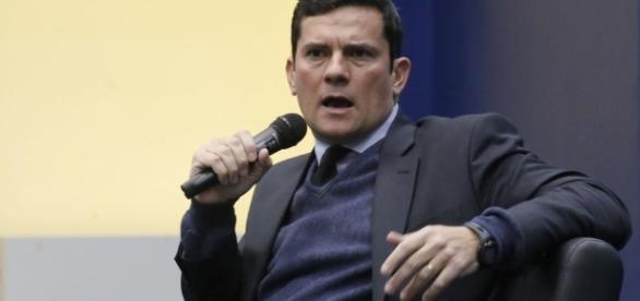 Blogueiro que fez suposta 'ameaça' ao juiz Sérgio Moro em rede social, foi levado através de condução coercitiva pela Polícia Federal