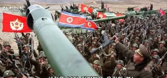 Într-un video de propagandă trupele nord-coreene salută distrugerea portavioanelor americane - Foto: captură YouTube