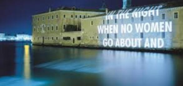 Jenny Holzer's text-art on Blenheim Palace FAIR USE suttonpr.com Creative Commons