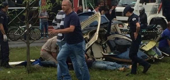 O socorro chegou rapidamente, pela Guarda Municipal, Corpo de Bombeiros, Polícias Militar e Civil. (Foto: Colaboração/Tribuna do Paraná)
