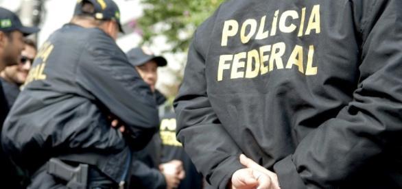 Agentes da polícia federal realizaram buscas em gabiente da Câmara dos Deputados