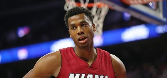 Heat's Hassan Whiteside cut his hand against the Phoenix Suns - allucanheat.com