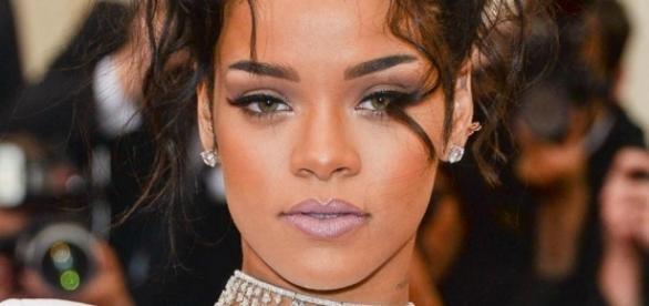 Rihanna está estreando série na TV americana