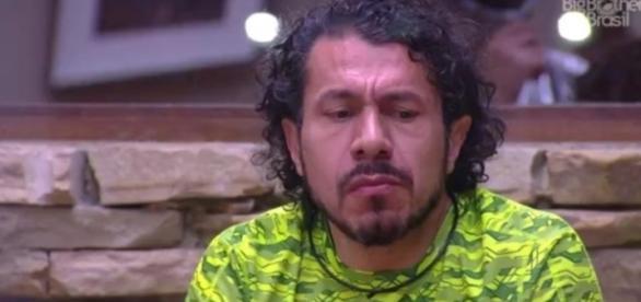 """Rômulo detona Emilly e Marcos no programa """"Mais Você""""."""
