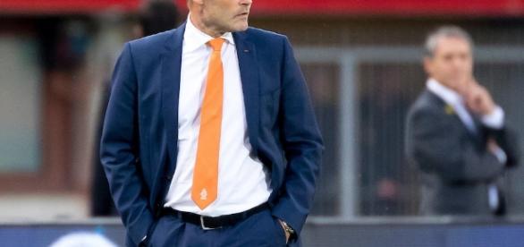 Blind dejó el cargo luego de que Holanda ocupa el cuarto lugar en el grupo A
