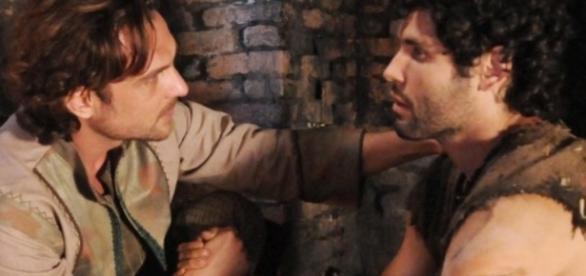 Zac diz que vai emprestar dinheiro para Asher quitar o compromisso do pai