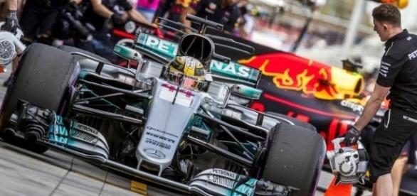 A Mercedes é a grande favorita para a temporada 2017 da F1.