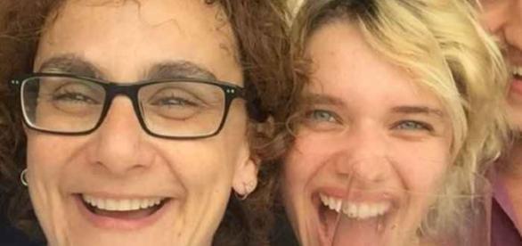 Bruna Linzmeyer está na próxima novela das nove da Globo. Ela aproveitou e comentou a reação dos pais ao saberem que ela é homossexual