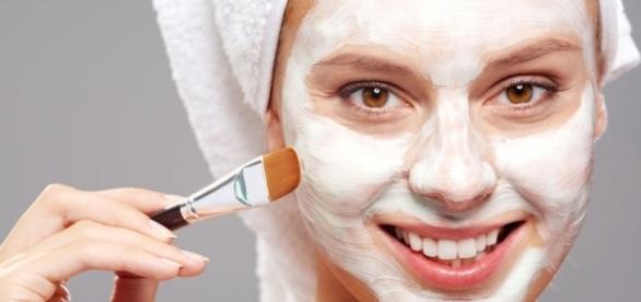 Veja receitas caseiras de máscara para espinhas