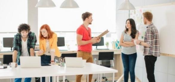 Dentro de esta tendencia se ubican plataformas y software de gestión de proyectos de forma digital.