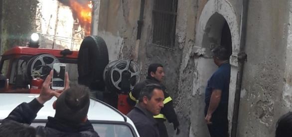 Incendio nel centro storico di Cosenza.