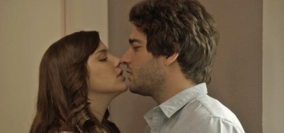 Marina e Tiago na novela A Lei do Amor (Divulgação/Globo)