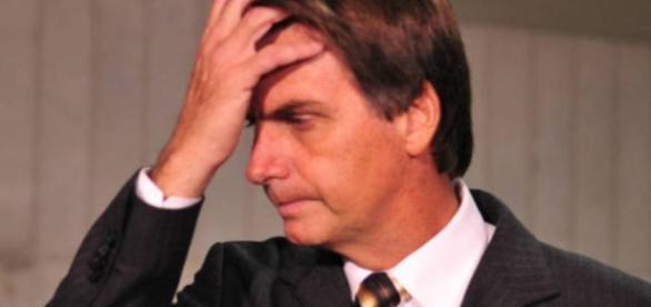 Bolsonaro é alvo de críticas de apoiadores por causa de abstenção