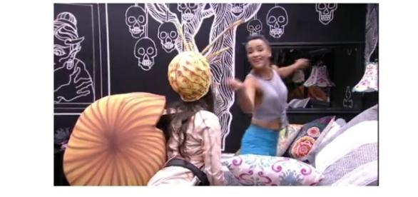 """Emilly e Marinalva brigam no """"BBB17"""" (Foto: Reprodução/TV Globo)"""