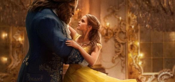 Film Review: Disney's Magic Touch in BEAUTY AND THE BEAST - Splash ... - splashreport.com