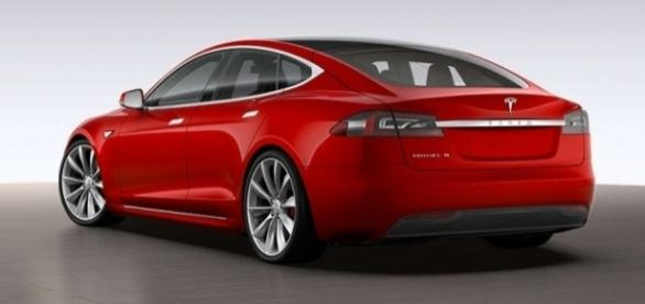 The Model 3, due to hit roads this year, by Tesla, Inc. (Nasdaq: TSLA) / MikeWard1701, Flickr Public Domain
