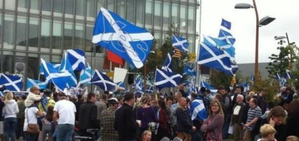 La marcia in più della leader Nicola Sturgeon | L'Indipendenza Nuova - lindipendenzanuova.com