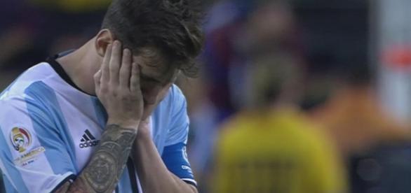 Messi no podrá ayudar a su equipo por 4 partidos.
