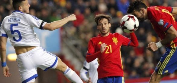 Silva (21) marcó el primer tanto de la Roja en Saint Denis. Foto: EFE