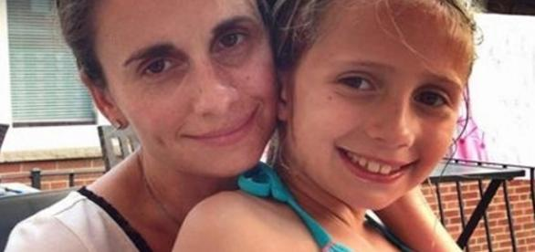 Ela ficou aterrorizada ao descobrir que as fotos de sua filha caíram em um site adulto