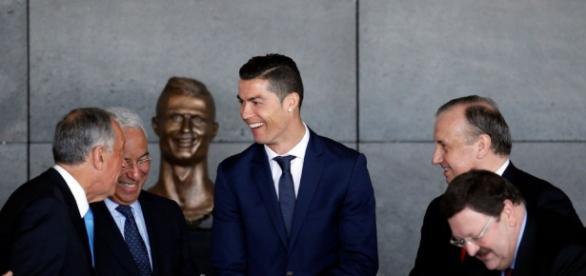 Madère : Cristiano Ronaldo inaugure un aéroport à son nom