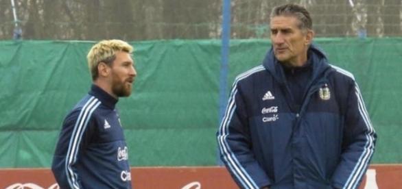 Messi y Bauza en una concentración con Argentina. Foto diariodevalladolid.es