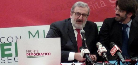 Michele Emiliano presenta l'associazione Fronte Democratico (Foto esclusiva BN)