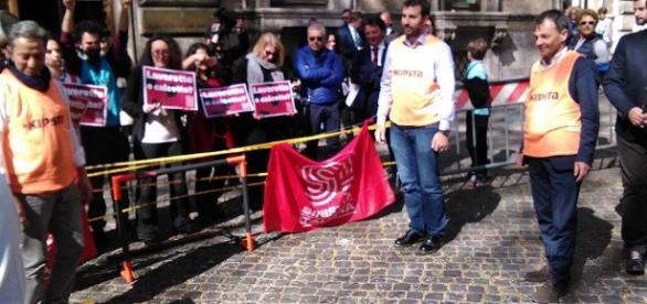 Partita di calcetto sotto al ministero del Lavoro contro le parole di Poletti (foto esclusiva BN)