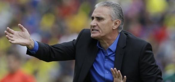 Tite recebeu críticas de Arce, técnico do Paraguai