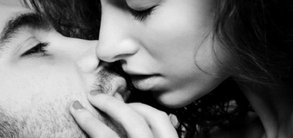 Cada pessoa possui uma forma diferente de beijar
