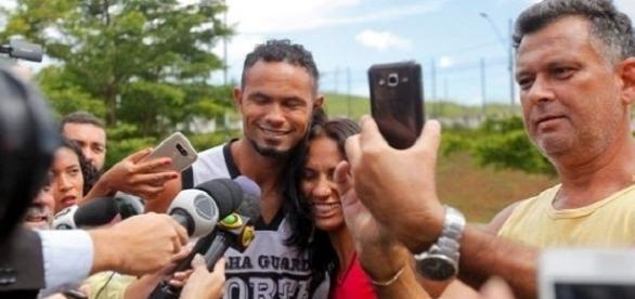 Em liberdade o goleiro Bruno, recebe proposta de 9 clubes brasileiros.