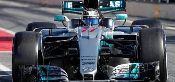 Mercedes, dominio contundente en las pruebas de Barcelona-2017