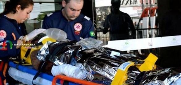 Jovem ficou gravemente ferido na explosão de uma bomba caseira. Foto Umuarama News.