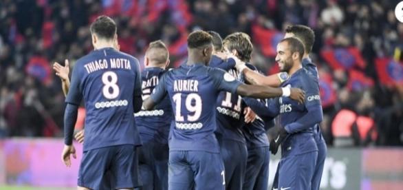 La joie après le but d'Adrien Rabiot lors du match opposant le ... - purepeople.com