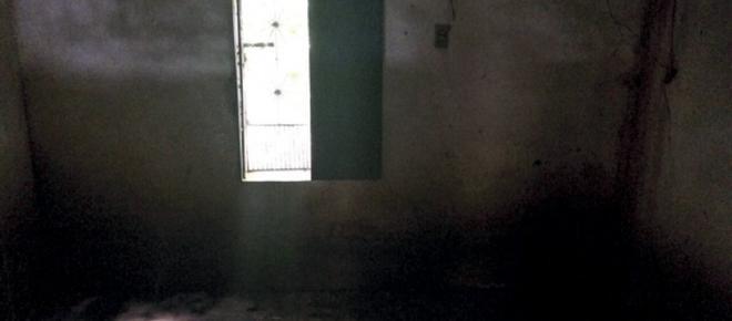 Mulher é resgatada após 16 anos sendo mantida em cárcere privado; irmão é preso