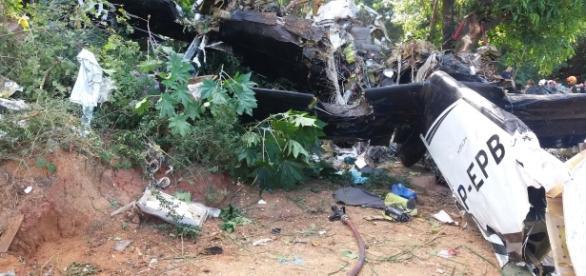 Avião caiu próximo ao aeroporto de Sorocaba