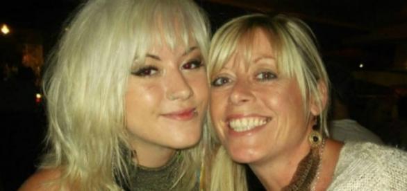 Deborah Byrne com a filha Brogan
