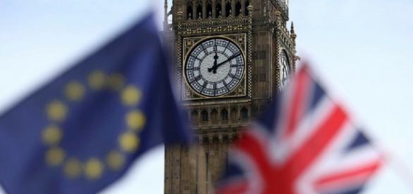 http://www.dezrezlegal.co.uk/wp-content/uploads/2016/11/brexit-predictions-housing-market-1.png