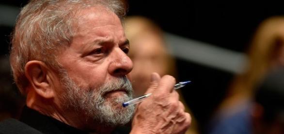 Lula elabora estratégia caso seja preso