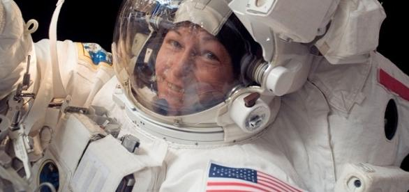 Peggy Whitson sets new spacewalking record for women in space [Image: Wikimedia.com]