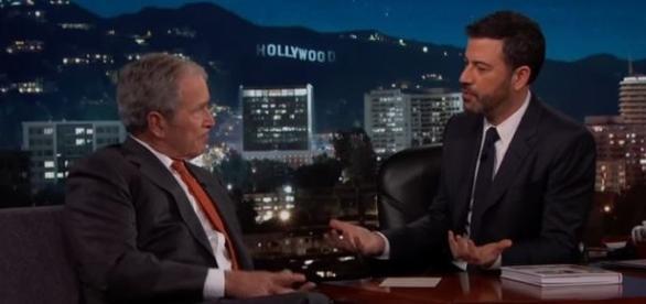 Bush fala que não pode dizer o que sabe sobre os objetos voadores não identificados (Jimmy Kimmel Live)
