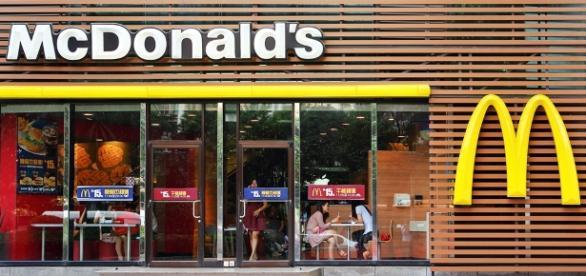 Com tecnologia, McDonald's muda jeito de treinar e atender