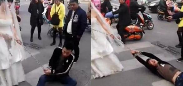 Noiva arrasta o noivo acorrentado pelas ruas depois que ele fugiu do casamento (Via: Portal Beleza)