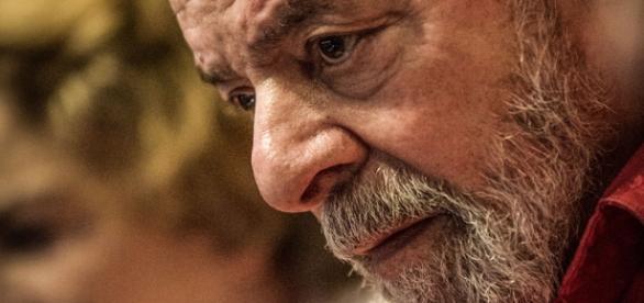 Polícia Federal foi autorizada pelo juiz Sérgio Moro, para periciar acervo pessoal do ex-presidente Lula