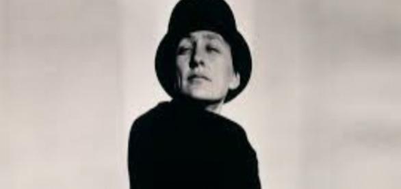 Photograph of Georgia O'Keeffe by Alfred Stieglitz 1923 FIAR USE zealnyc.com Creative Commons