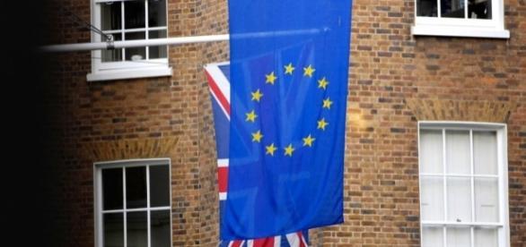 UK faces 'nasty' battle over contributions to EU bureaucrats ... - politicshome.com