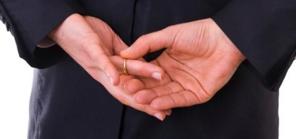 Infidelidade masculina pode estar ligada a QI baixo.