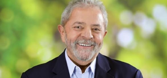 O ex-presidente Lula já teria um rascunho de seu plano econômico caso se candidate à presidência em 2018.